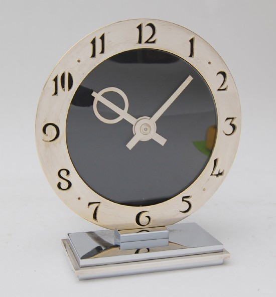 Temco 1950s chrome and silver plate mantle clock